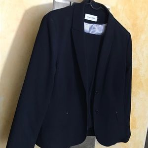 Professional Calvin Klein 2pc Suit. Navy Size 16.